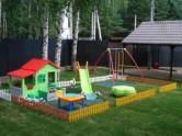 обустроить детскую площадку на даче